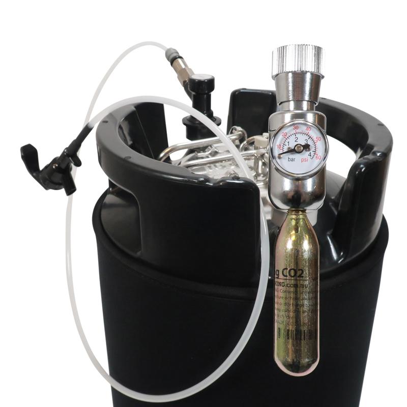 CO2 miniregulaattori / paineensäädin kegiin hanalla