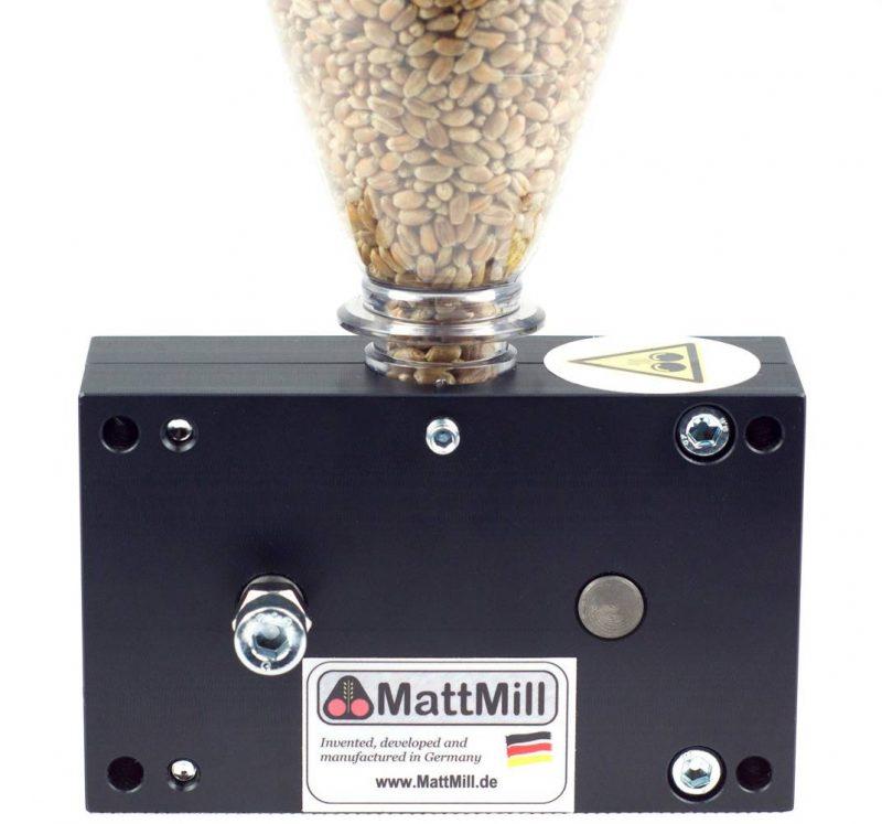 MattMill Student mallasmylly muovisella täyttösuppilolla, 2 telainen